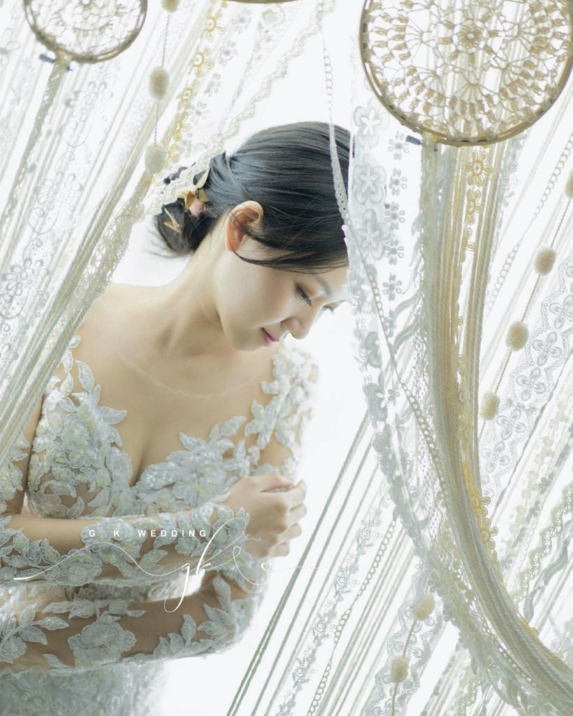 Light Wedding Gown 11